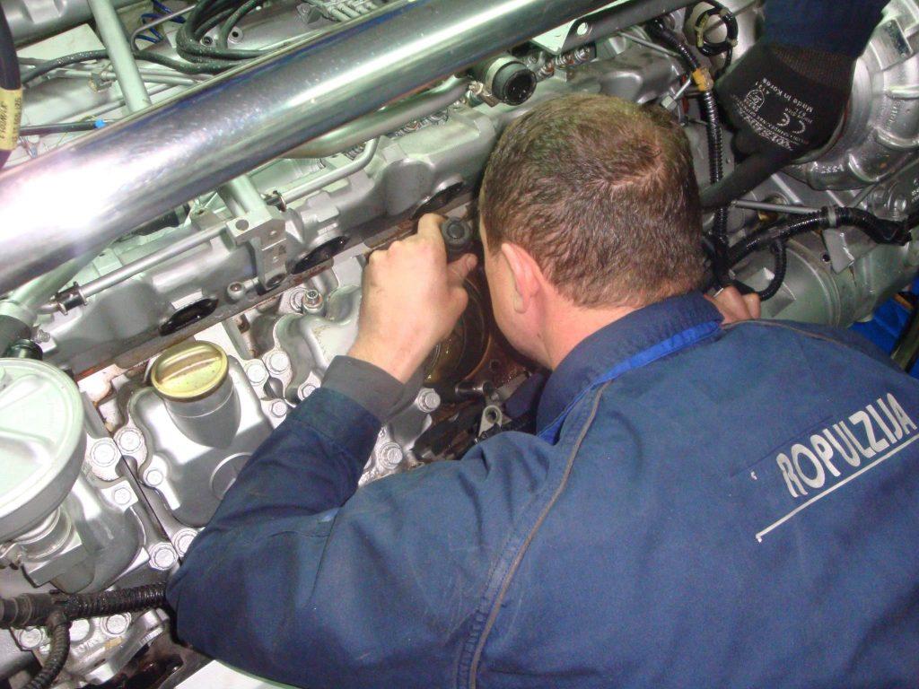 """Izvršena je zamjena havariranog bloka motora MTU 12V183 na """"MAIORA 20""""."""