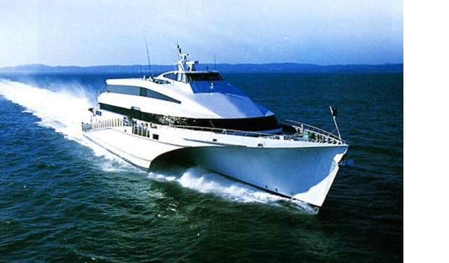 "Passenger trimaran ""KRILO ECLIPSE"" with three MTU 16V4000 M70 engines"